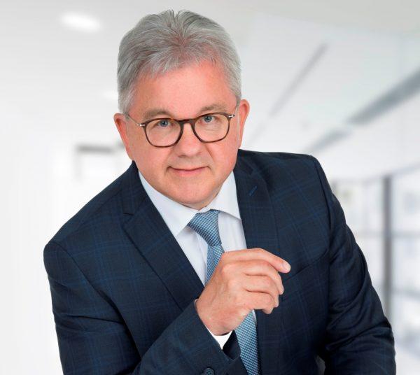 Tourismusminister Guido Wolf antwortet auf Fragen der DEHOGA-Gastronomen aus Bühl und Baden-Baden