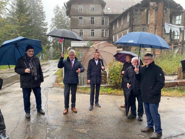 Sorgenkind Schwarzwaldhochstraße: Ein Vor-Ort-Besuch mit Minister Guido Wolf
