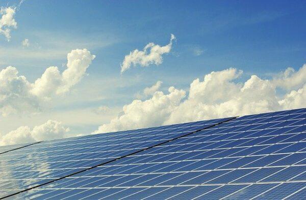 Einkünfte aus kleinen PV-Anlagen künftig steuerfrei